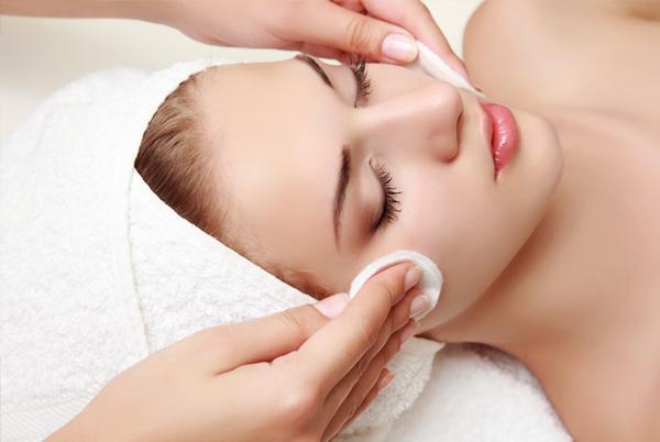 Kosmetyka twarzy, ciała orazokolic oczu